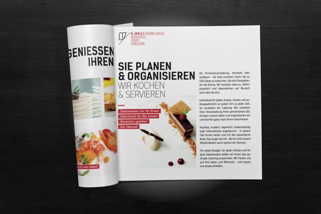 03-square-brochure-mockup